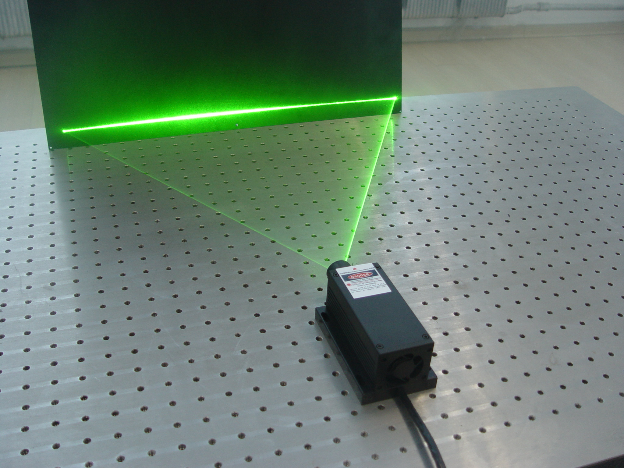 CNI high stability line laser