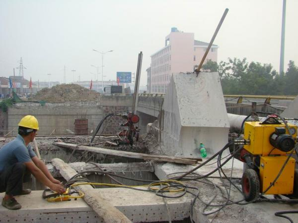 hydraulic wire sawing for concrete drilling and sawing