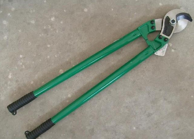 TC-38 hand tool for cutting cable