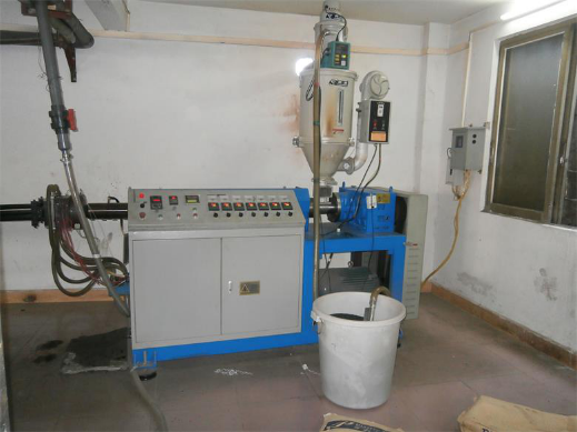 thermal break strip extruder machine