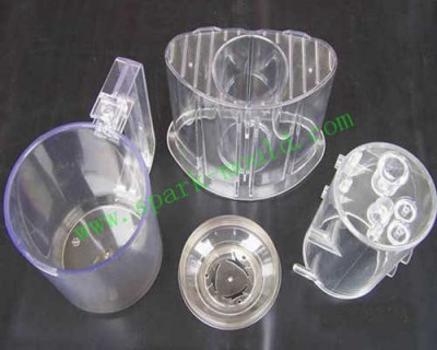 transparent plastic cups