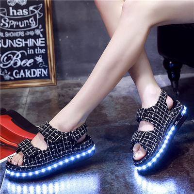 2016 New Arrive Light Up Sandal For Girls Fashion Ladies LED Luminous Sandal Popular Using In Summer