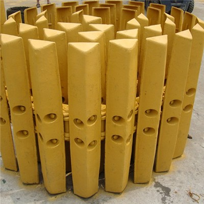 Excavator track shoe assembly triple grouser track shoe