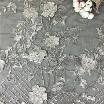 Wholesale Embroidered White Wedding Lace with Polyester, Various Colors are Accepted