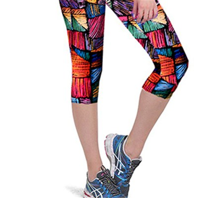 Irregular Triangle Print Capri Leggings