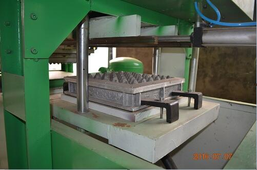 1Mold Paper Pulp Egg Tray Making Machine with Output of 350pcs/hour For Sale