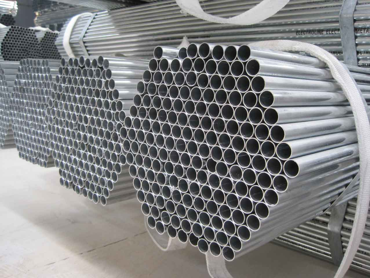 Galvanized carbon steel pipe gi pipe price list in China Dongpengboda