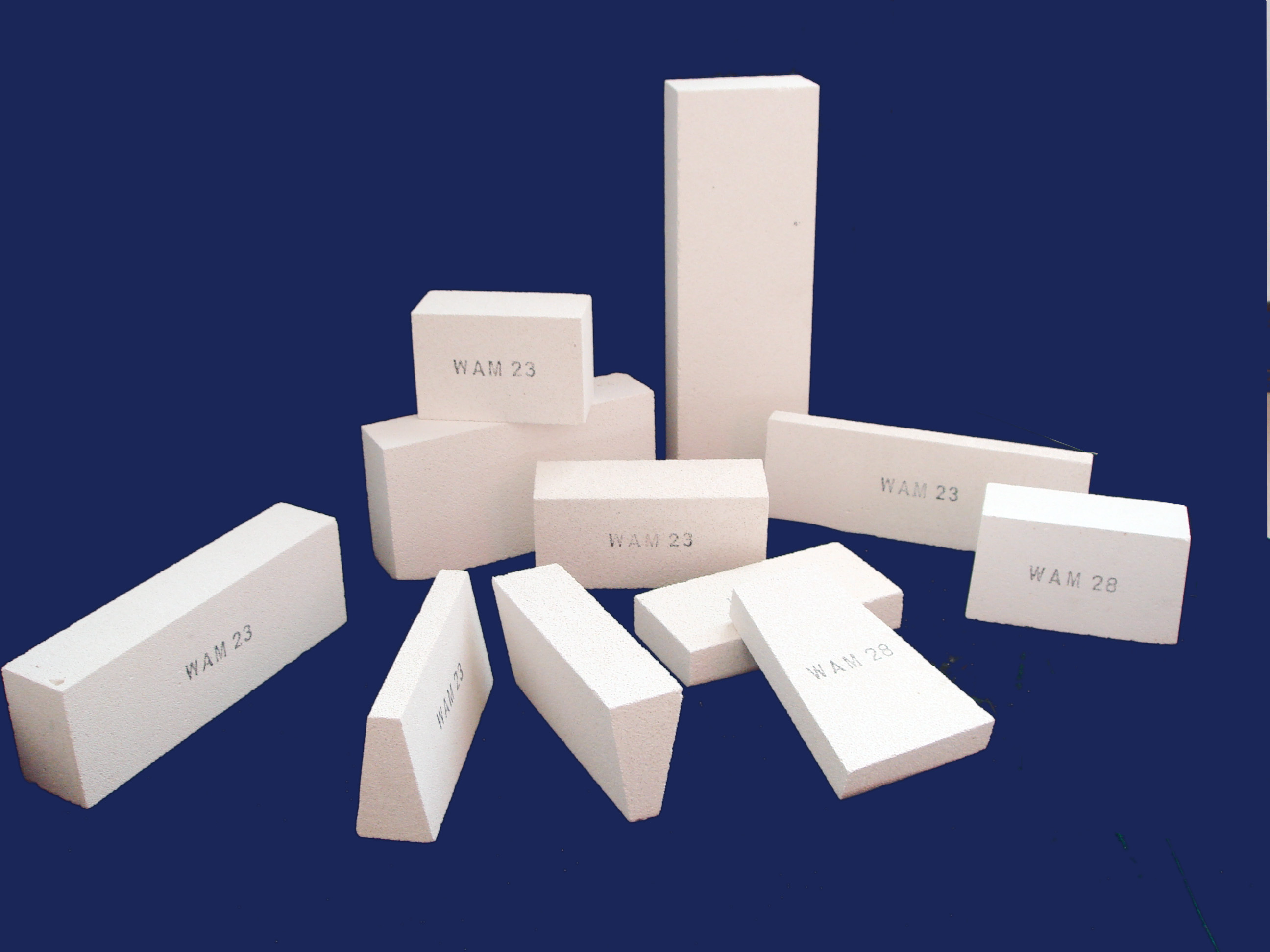 Manufacturer of insulating bricks 232628/Insulating Fire Brick (IFB) for heat Insulation/Types of thermal insulating brick for furnace/ Hot thermal fireclay insulating bricks