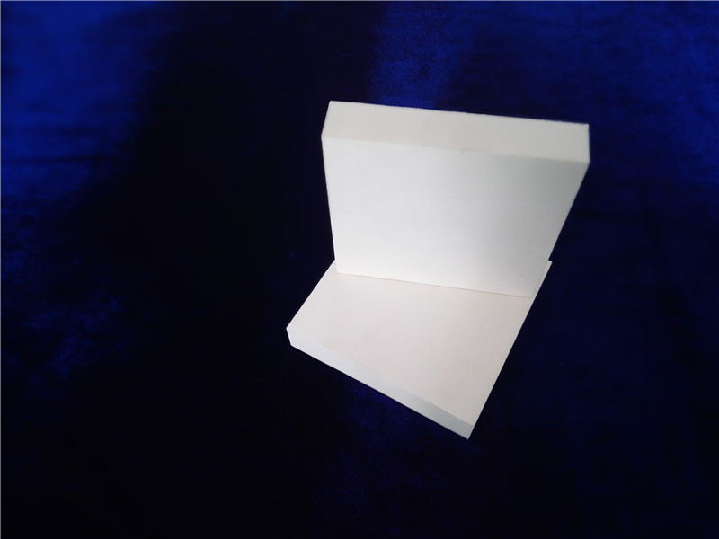 Abrasive alumina lining plate and lining sheet