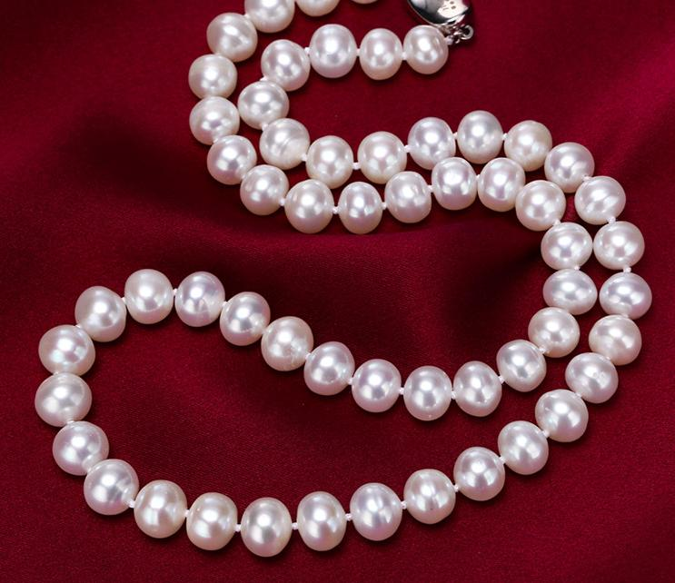 925  Sliver  freshwater Nearly circular pearl necklace