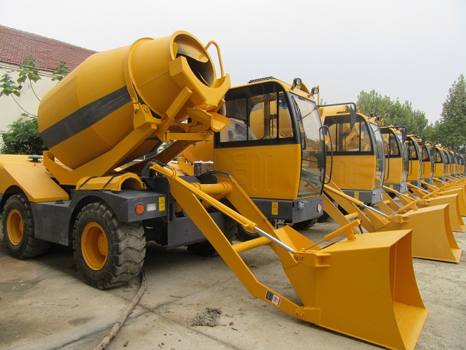 self-loading mobile concrete mixer with pump transhit vehicle for sale