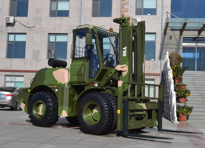 4x4 4wd 4 wheel drived all rough terrain forklift with 5 ton loading capacity CPCY50 for sale