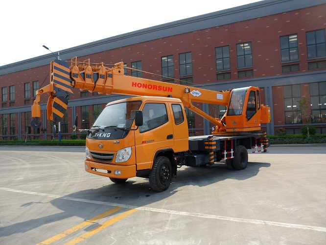 mini small pick up truck crane cheap price and cheap service cost with relabile quality for sale