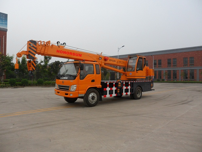 sinotruck JCB KAMA chassis road hydraulic truck crane with 6-16 ton lifting capacity