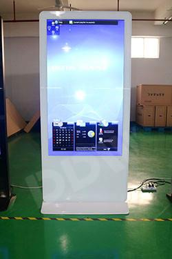 65 Inch Interactive Digital Signage For Advertising Multi Touch Kiosk 8ms Responsive Time