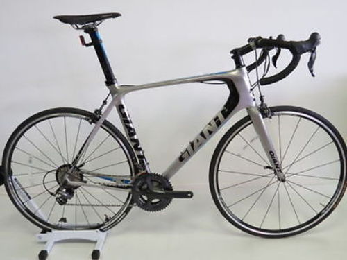 NEW 2014 Giant TCR Advanced SL 0 Carbon Road Bike..$1, 500 USD