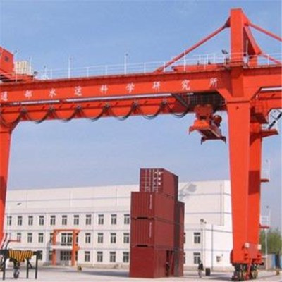 Gantry crane lifting container manufacture