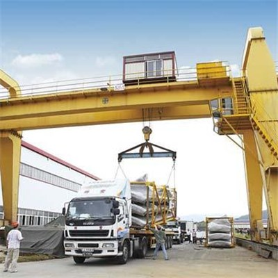 Traveling Gantry Crane, L Type for Easily Lifting Long Materials and Saving Space