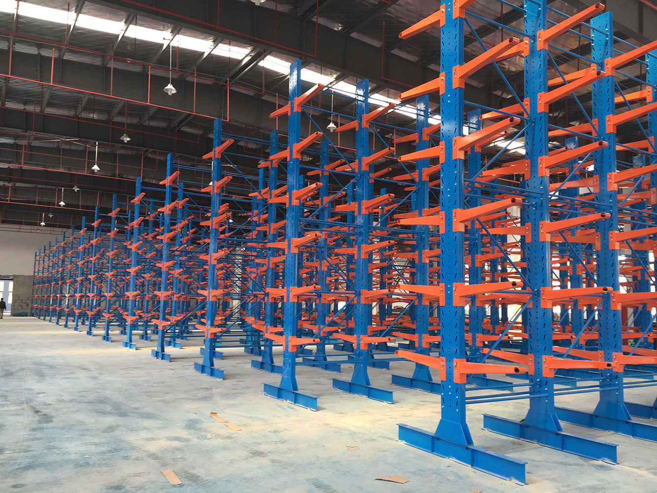 Load long products double arm cantilever racking
