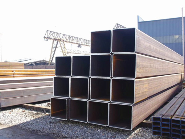 Square or rectangular steel pipe and tube