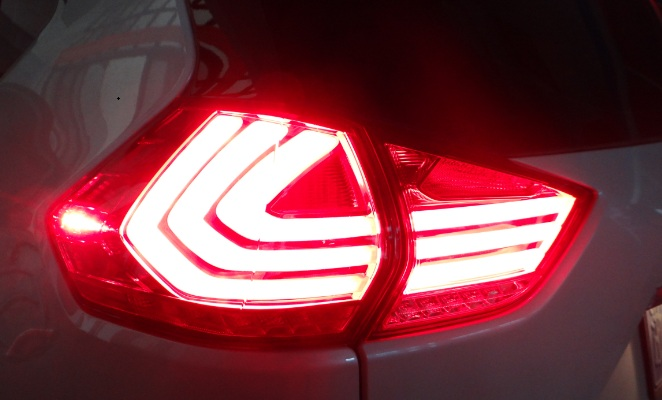 Nissan X-trail tail lamp