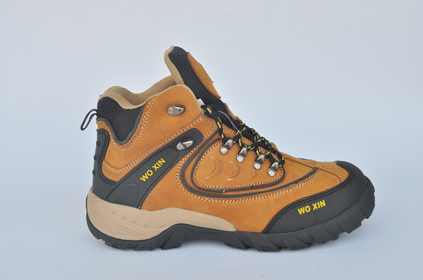 Good Quality rubber sole Safety Shoes with cheap price,wear- resistant and non-slip safety boots