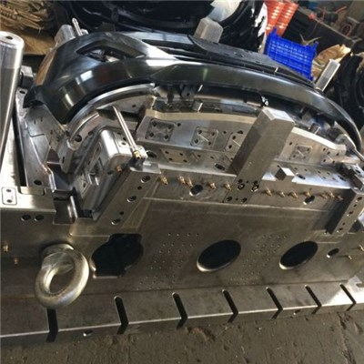 Bumper Injection Mold With Hot Runner
