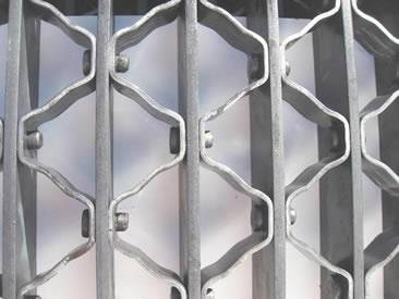 Riveted Grating - High Load Capacity for Bridge Decking