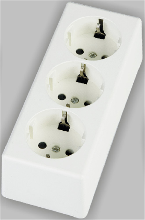 3 way schuko socket surface type PC material