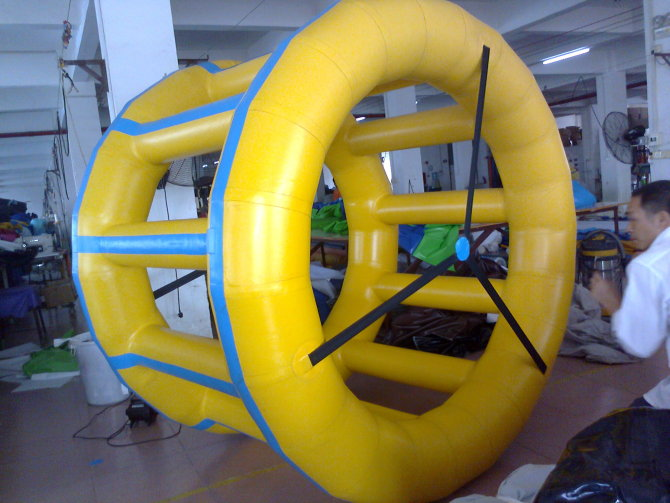 Cheap Custom Water Roller Ball Inflatable Aqua Rolling balls for People Inside