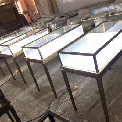 Van Cleef&Arpels Jewelry Counter, Standardized Production, Batch Construction, Counter, Lighting Engineering, Jewelry Shop, Commercial Furniture Making