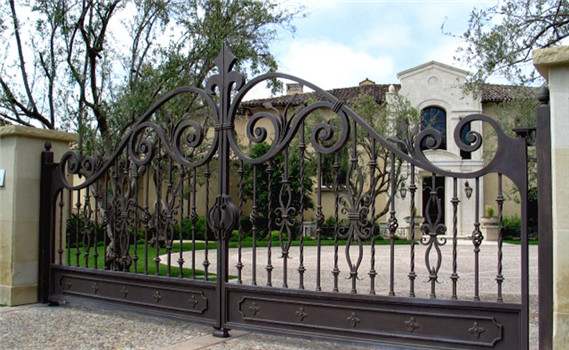 Modern Forged Double Arched Iron Driveway Gate with best quality