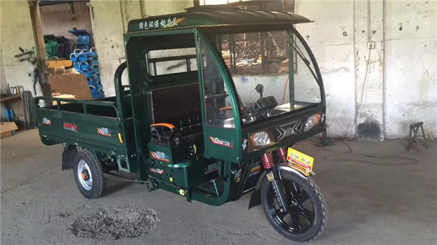 2017 popular 60V Three Wheel electric tricycle with cabin
