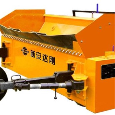 SS3000C Pull-type Chip Spreader Connected With The Wheel Hub Of Dump Truck,used For Surface Dressing Work, Easy To Operate.
