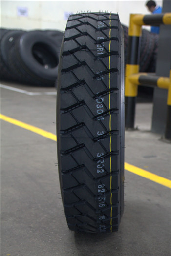 Wholesales Truck&Bus tire Good quality Cheap Chinese tire 9.00R20