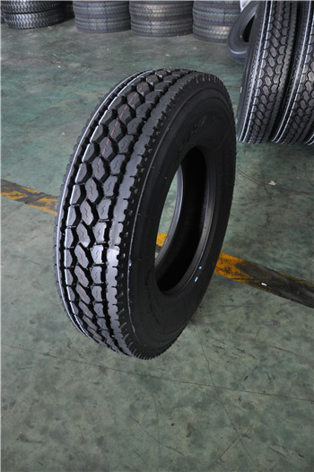 China heavy truck tires low profile in USA 11r22.5 11r24.5 11-24.5 11r 22.5 295/75r 22.5 truck tire