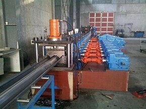 China Highway guardrail roll forming machine supplier/production line