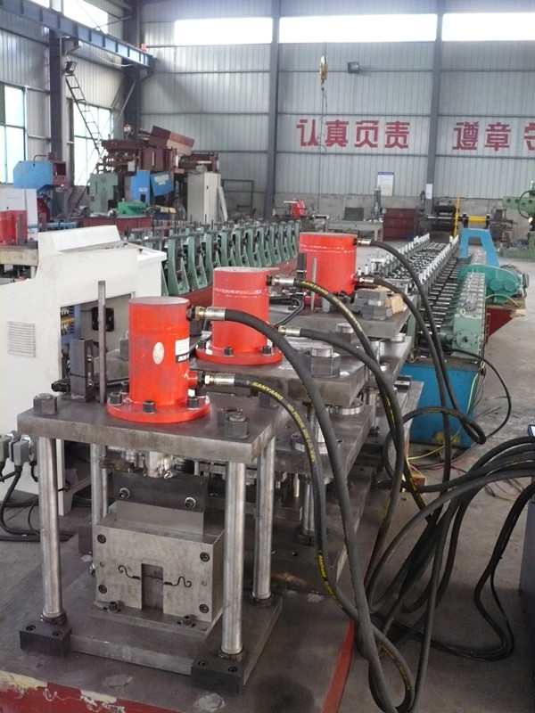 China Roller shutter roll forming machine supplier/production line