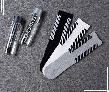 Harajuku style striped sports socks,Cotton stockings,semi-high socks