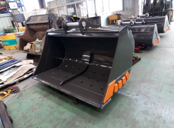 Xuzhou shenfu excavator ditch cleaning bucket for sale