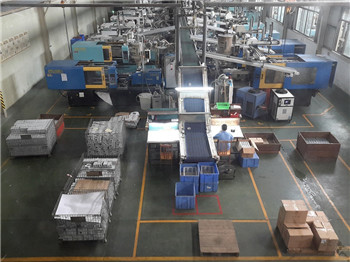High precision automatic injection molding line