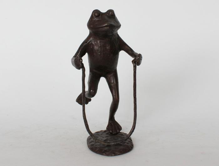 Cast iron frog for home decoration