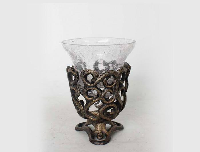 Cast iron Candle Holder with leaf shaped