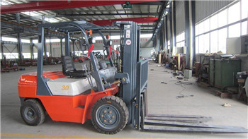 CPC30 3 tons diesel forklift for plywood factory