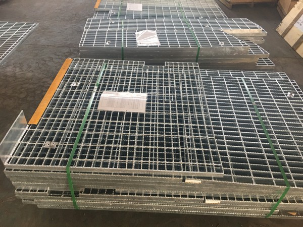 Customized Carbon Steel Grating used in Oil and Gas Field