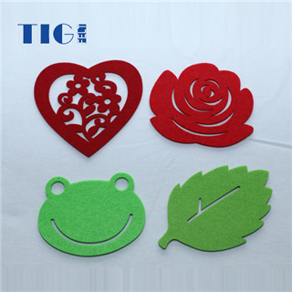 Heat resistant customized Felt table runner  coaster / cup mat