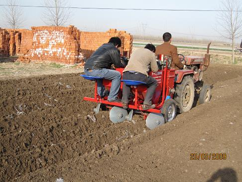 potato planter (disc seeder)