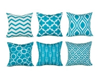 PuFanfocus onaccent pillow,pillow cushionis goingto expand