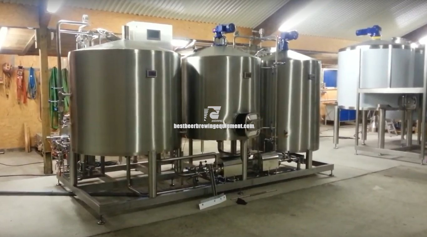 Stainless steel mashing equipment with three vessels