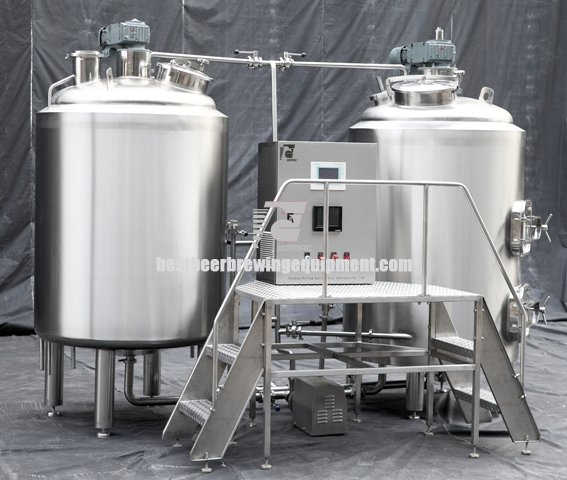 Brewhouse equipment with two vessels type